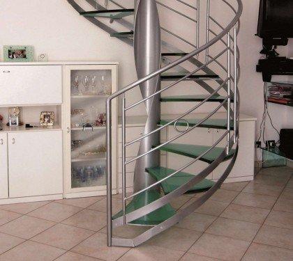 Винтовая лестница со стеклянными ступенями EMME 94