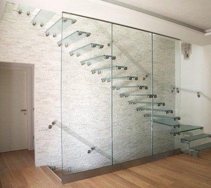 Стеклянная маршевая лестница Wall Glass