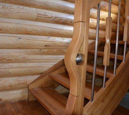 Маршевая лестница из ясеня на тетивах Соло