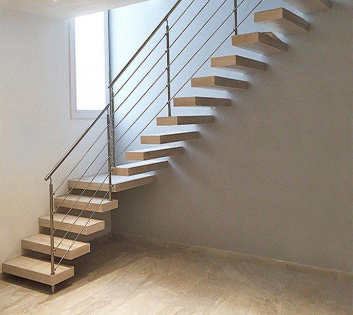Маршевая лестница с консольными ступенями Wall