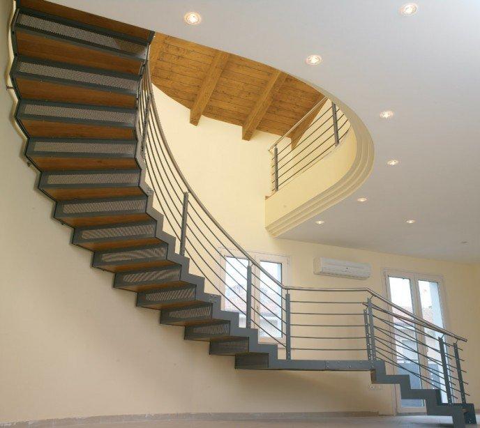 Маршевая лестница на косоурах Laser Special