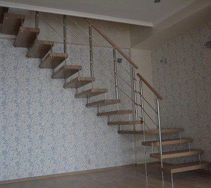 Маршевая лестница на больцах Магия М