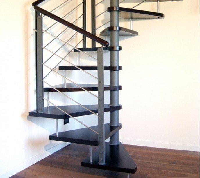 Квадратно-винтовая лестница Emme Q