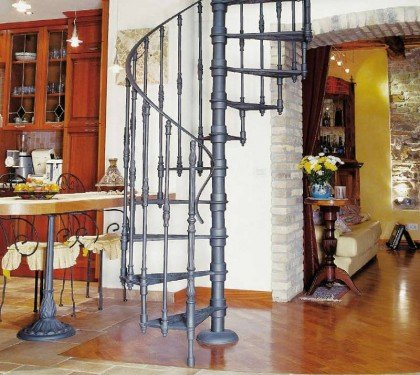 Чугунная винтовая лестница без подступенков 2010E