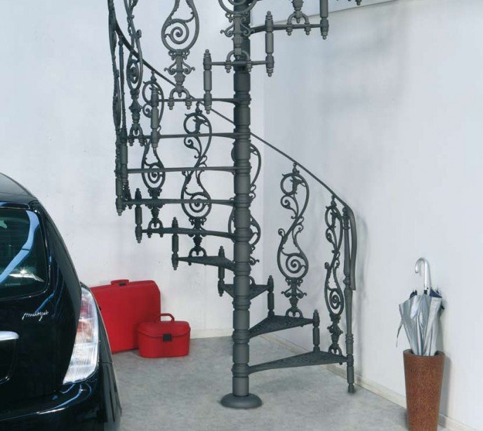 Чугунная винтовая лестница element