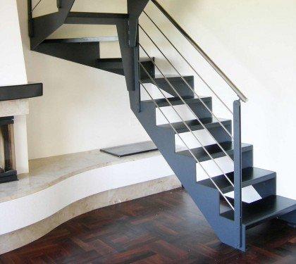 Маршевая лестница на косоурах Thema Classic