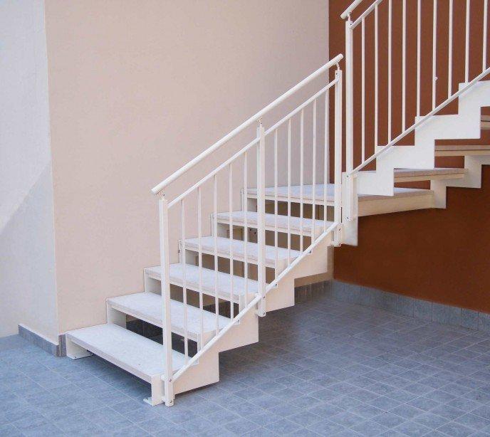 Металлическая маршевая лестница Laser Esterna T