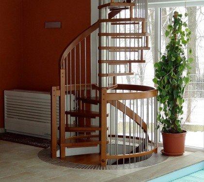 Винтовая комбинированная лестница Мира Н01