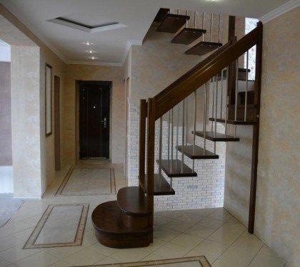 Маршевая лестница на больцах Lira S02