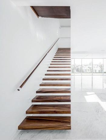 Консольная лестница без ограждения