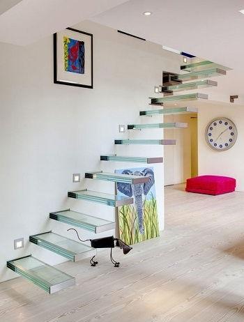 консольная лестница из стекла