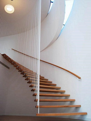 Консольная лестница с пристеным поручнем